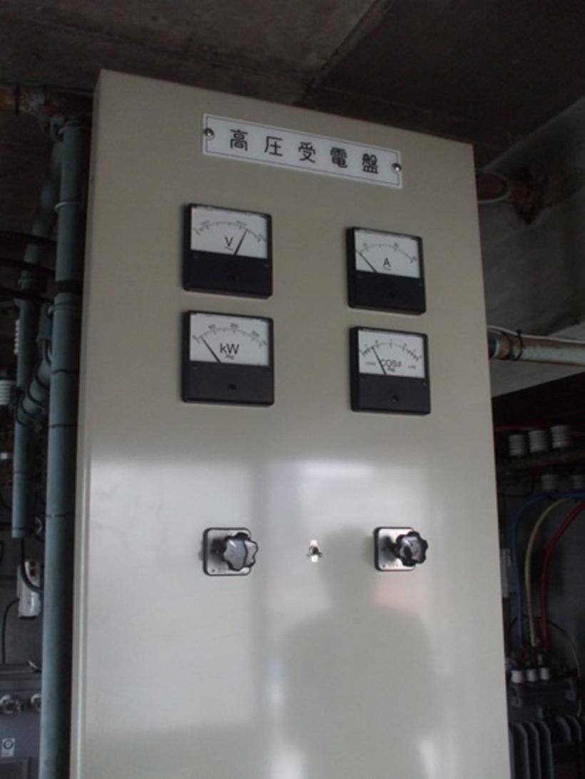尼崎市の事務所ビル,電気室改修工事のサムネイル